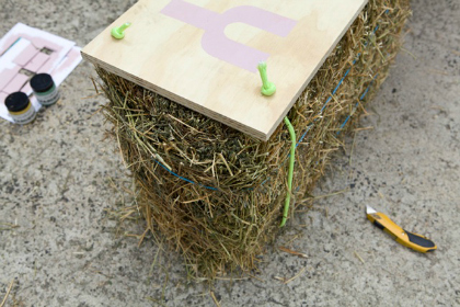 DIY-hay-bale-seat-toppers
