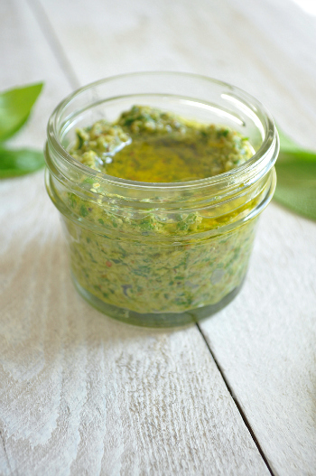 Spicy-herb-and-pecan-salsa-verde