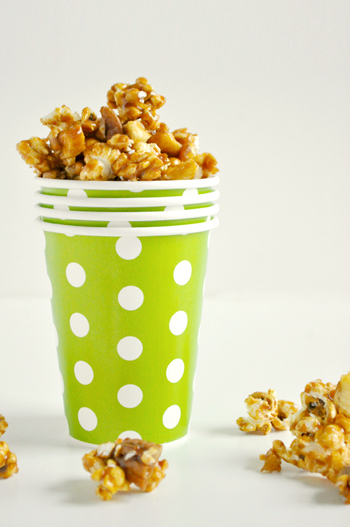 balsamic-caramel-apple-popcorn