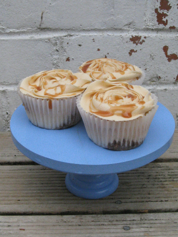 caramel-cupcakes-with-balsamic-soaked-feijoas