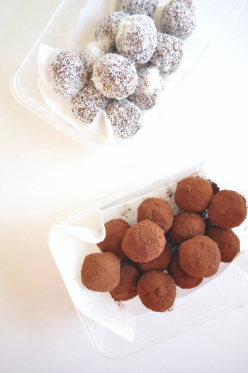 Raw-date-and-chocolate-truffles