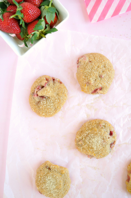 Low-fat-spelt-strawberry-and-orange-cookies