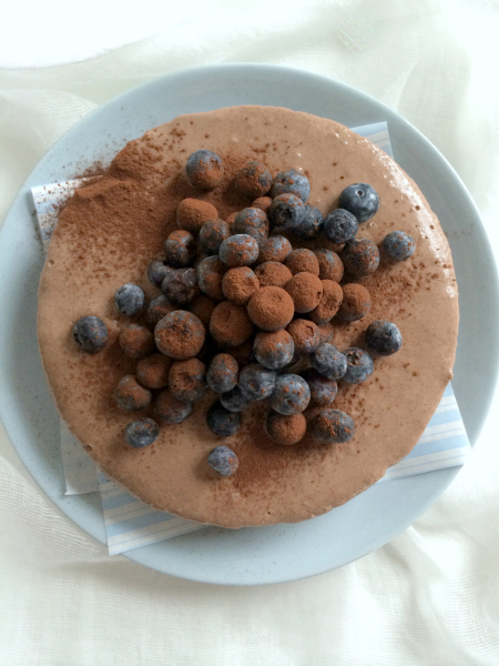raw-chocolate-licorice-cake