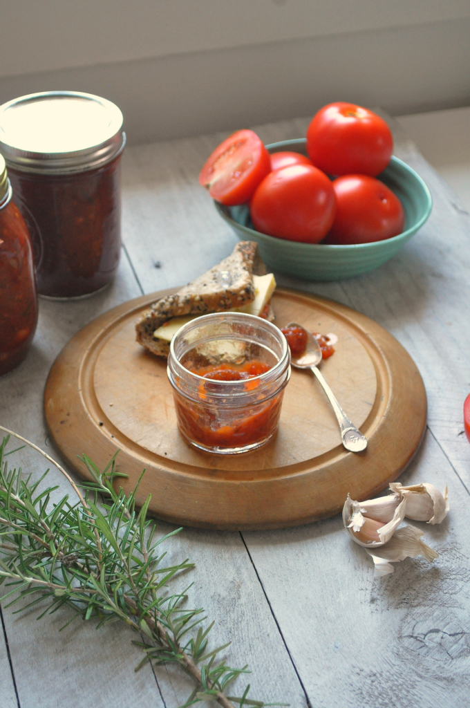 Caraway, date and tomato relish